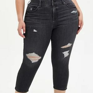 🎉sale🎉Nwt torrid crop bombshell jeans size 26